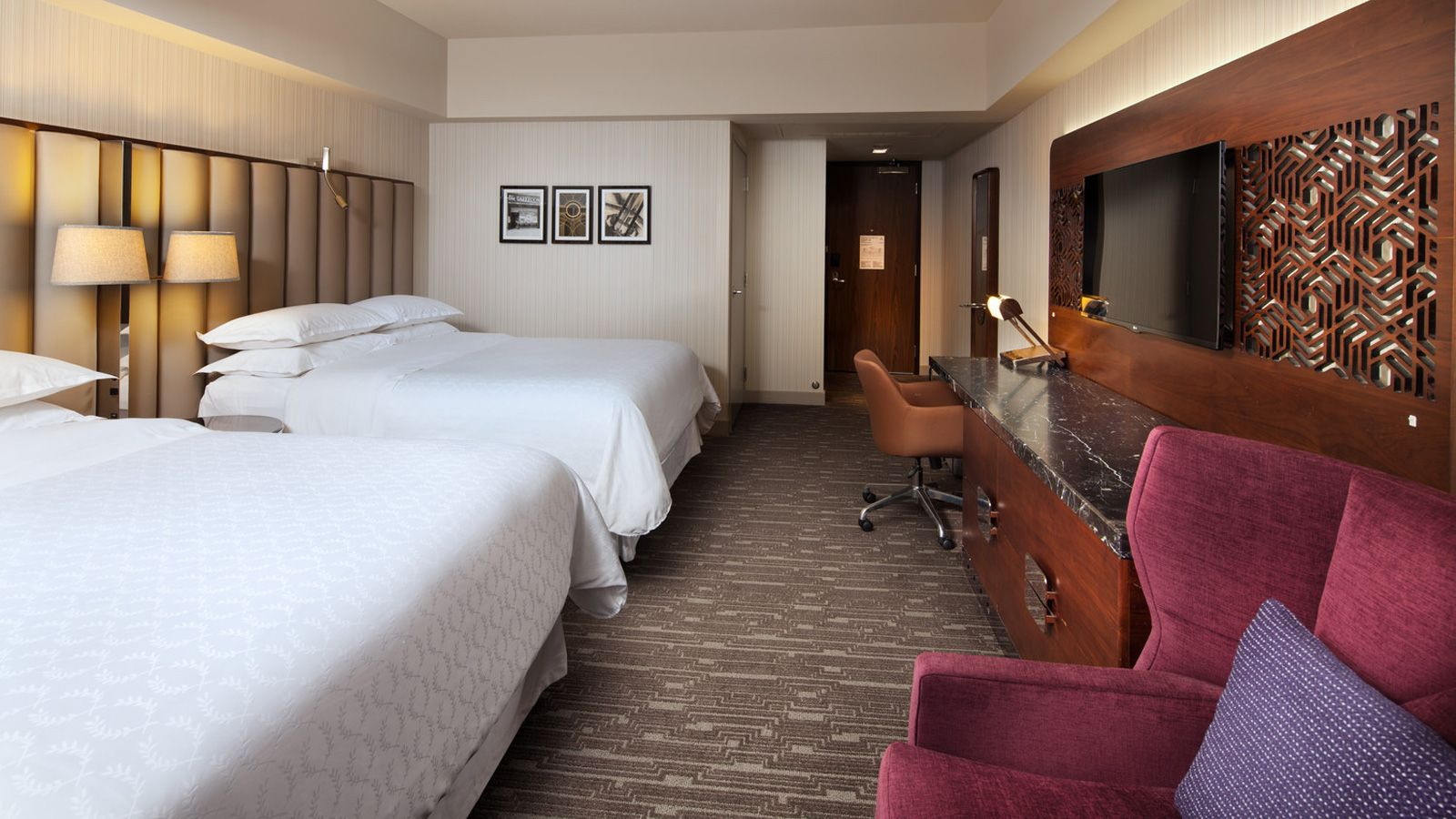 Sheraton Grand Los Angeles - Deluxe Guestroom
